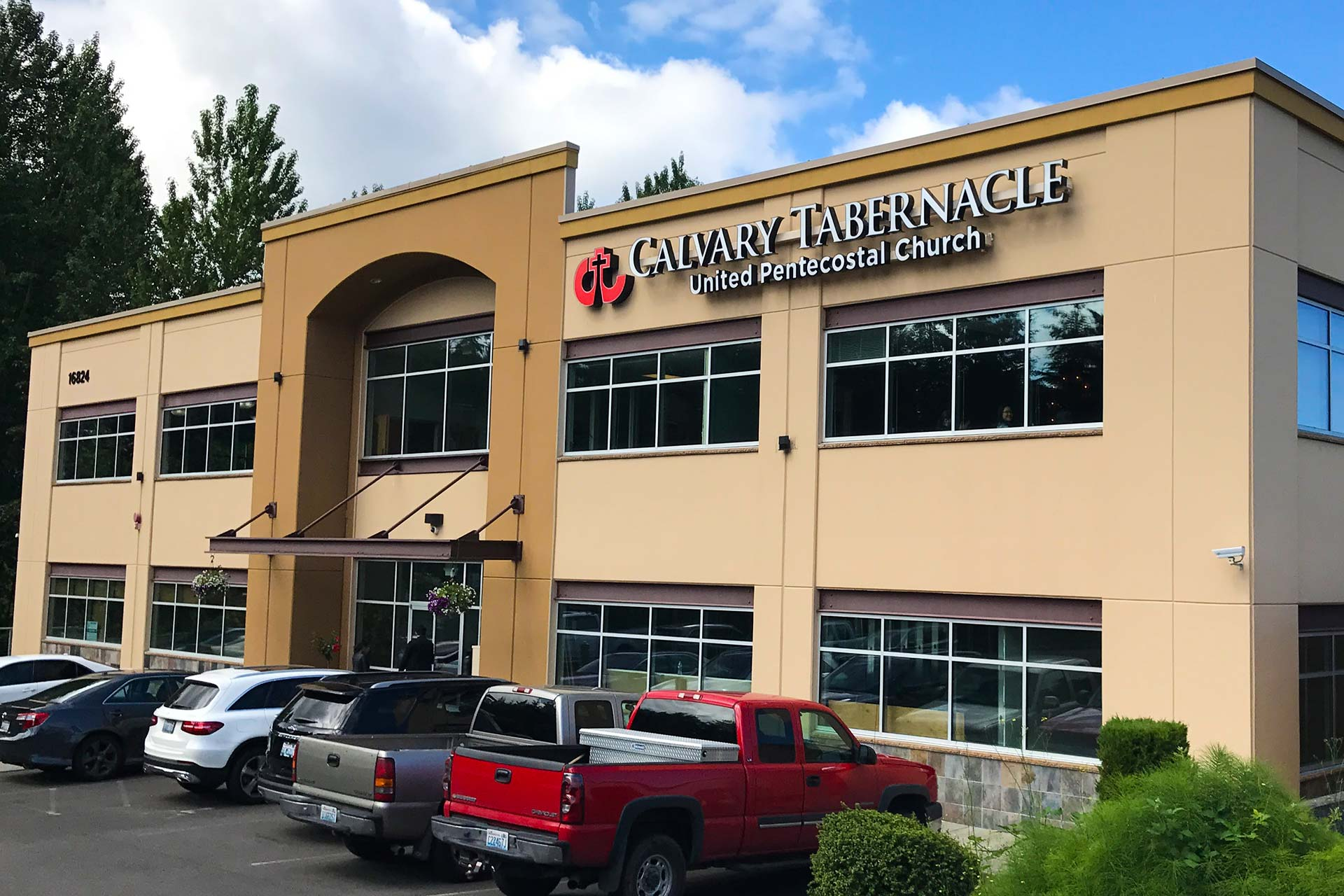 exterior of the calvary tabernacle building in lynnwood, washington